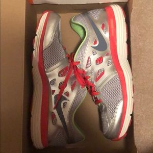 Light Grey Women's Nike Running Shoes SIZE 9.5